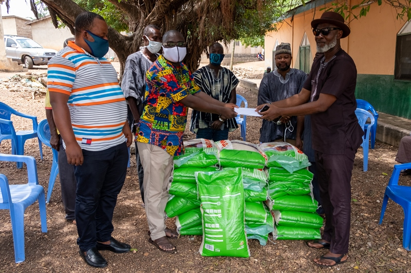 Photos - DONATIONA TO THE ZONGO COMMUNITY IN HO AHEAD OF EID UI-FIT