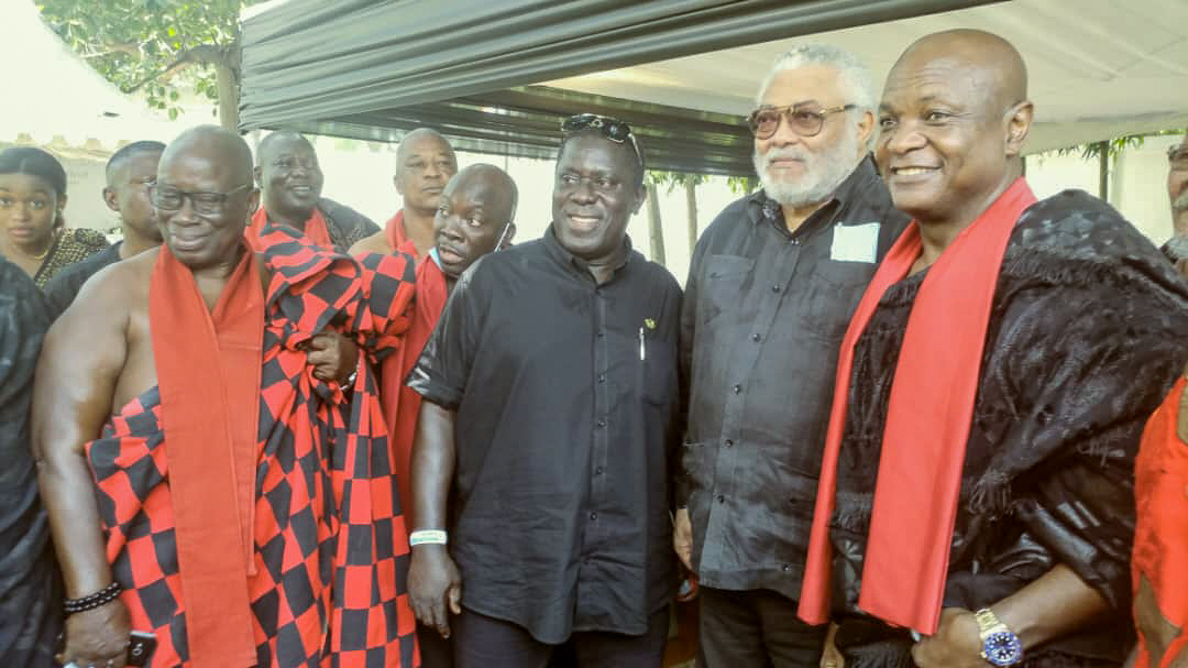 Photos - Agbogbomefia Togbe Afede XIV led a delegation of Chiefs to commiserate with Jerry John Rawlings on the demise of her mother.